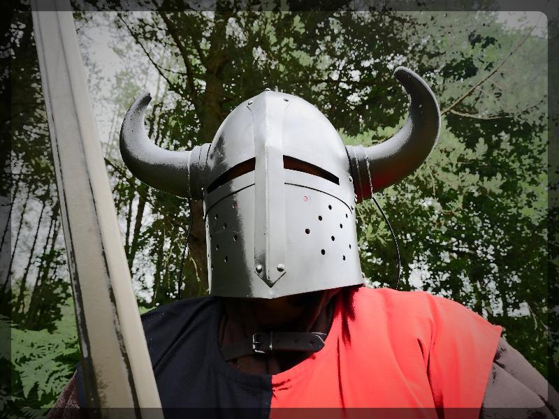 medievalfantasy.larp_.party_.warrior